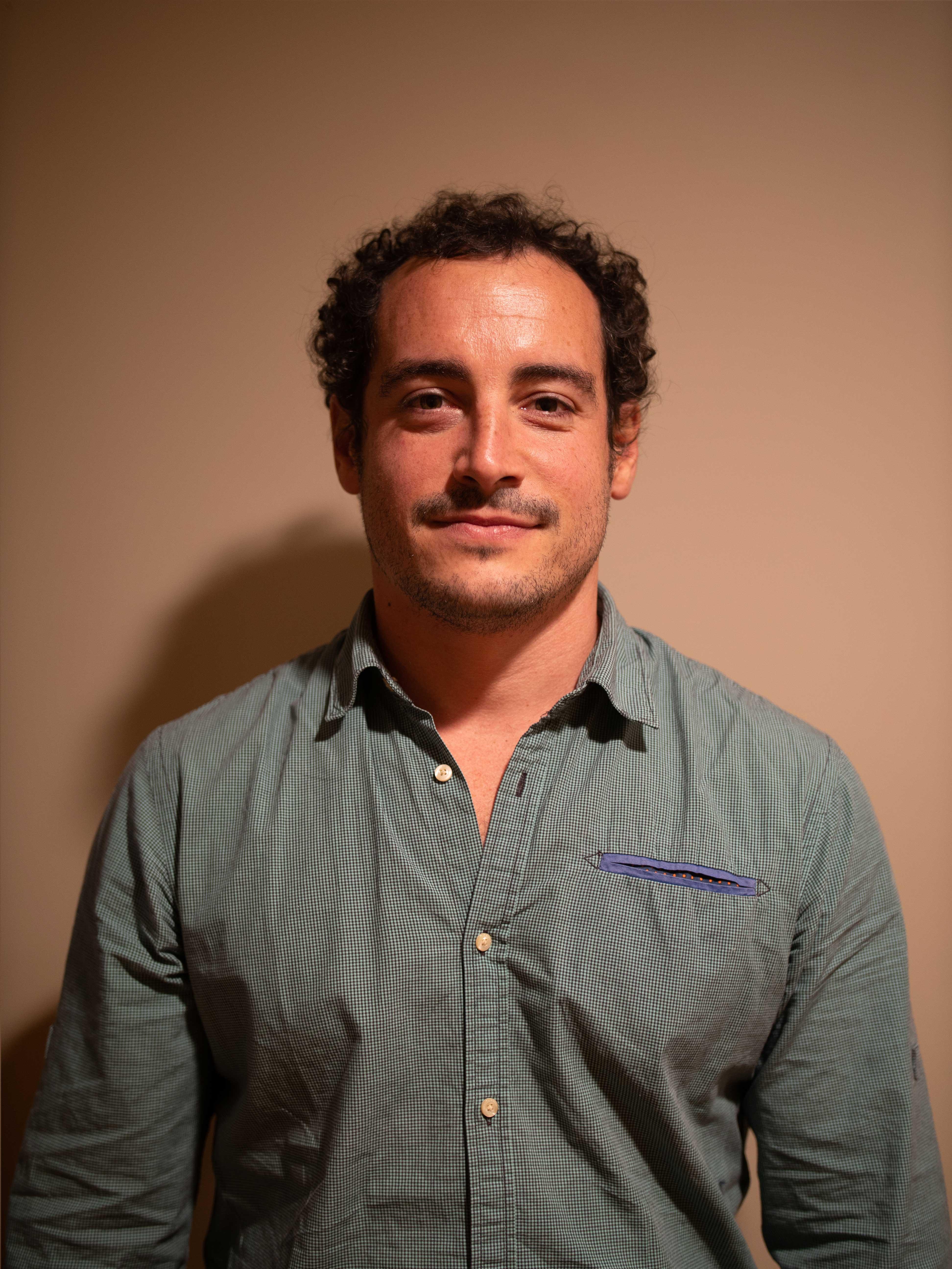 Dr Pablo LOM