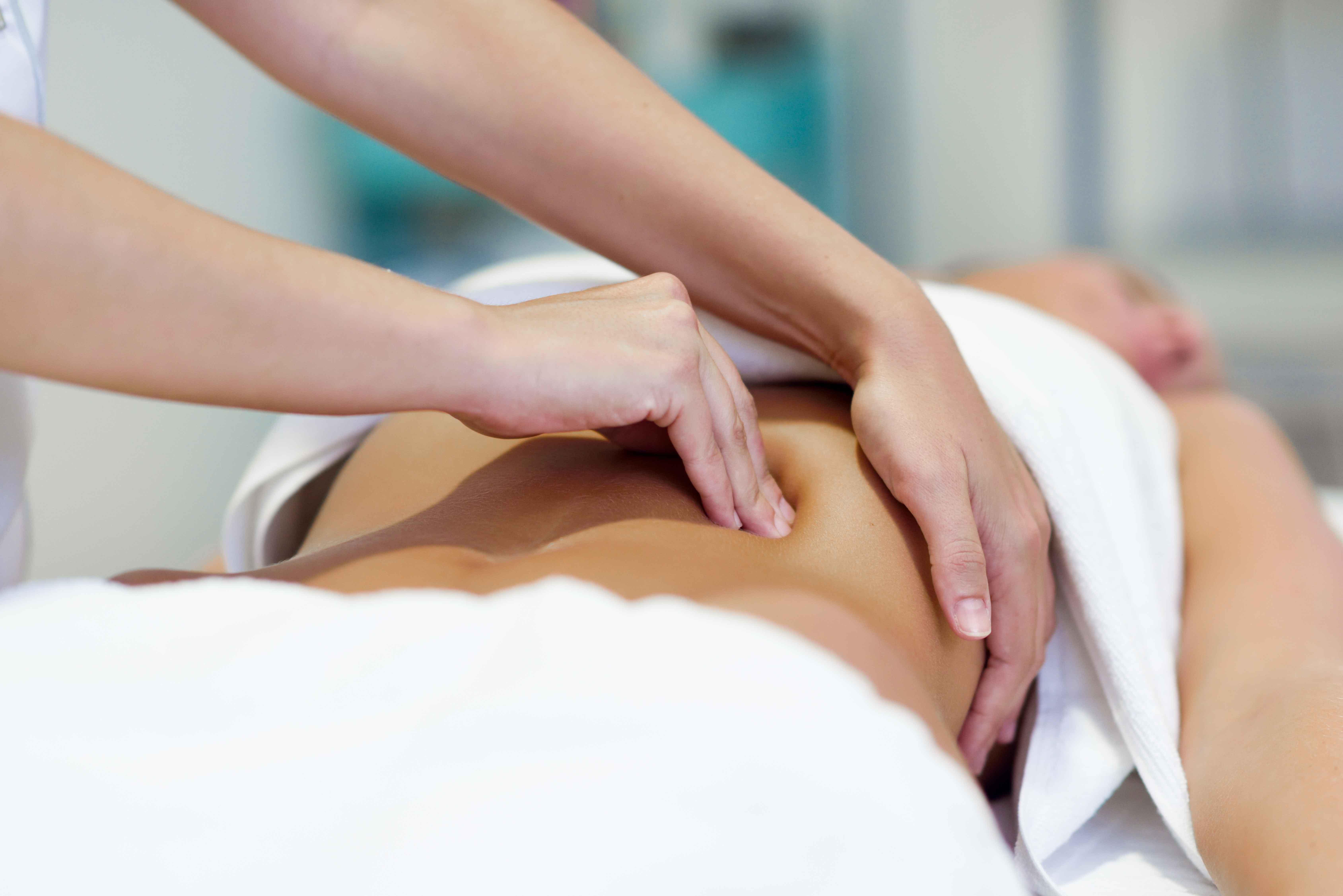 Ostéopathie et posture, quel bénéfice pour le corps. Le cente Postureval, basé au Pays Basque (Biarritz), vous accompagne avec ses spécialistes.
